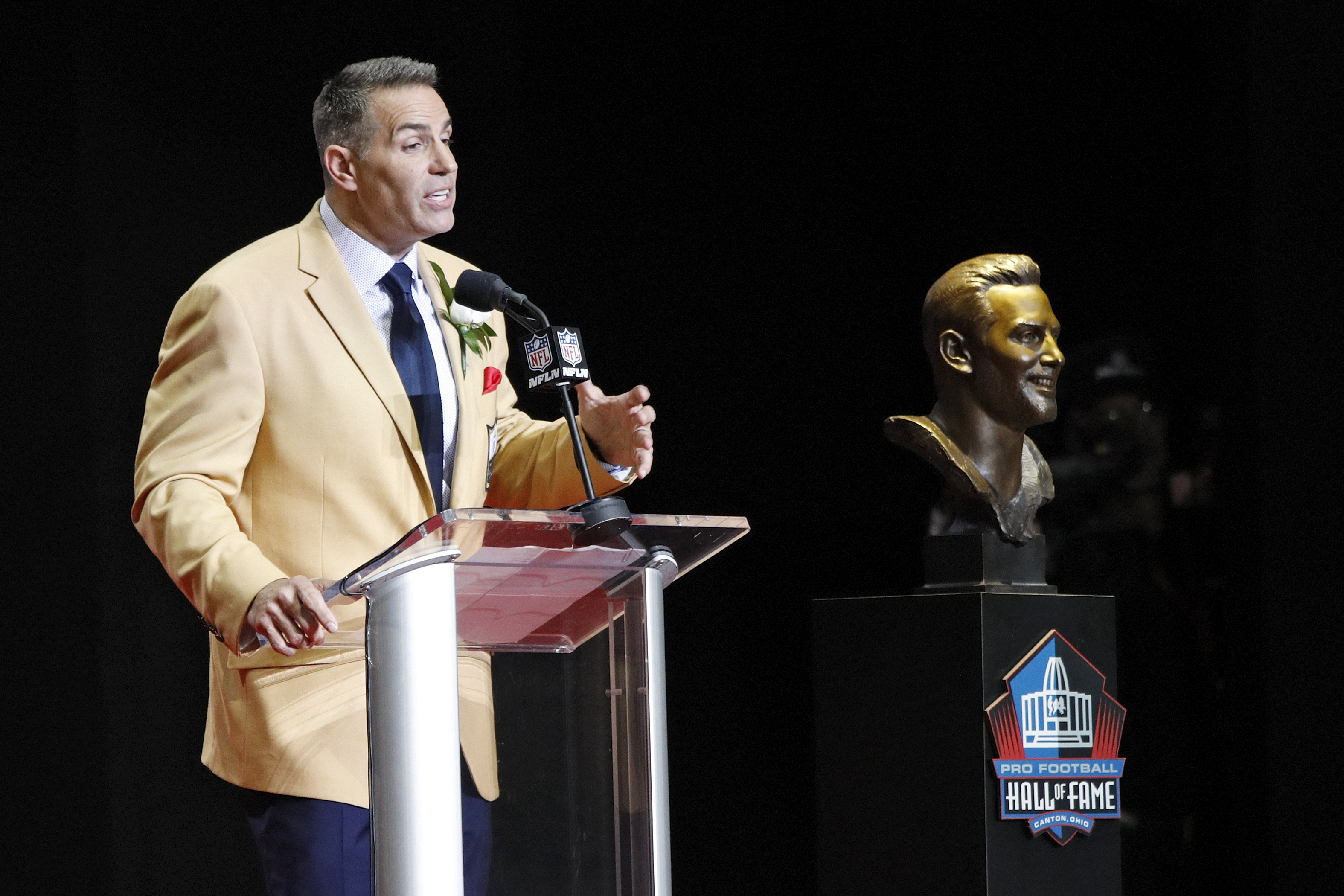 Kurt Warner famously went from working in a grocery store to the Pro Football Hall of Fame. That isn't the only hall where Warner is a member.