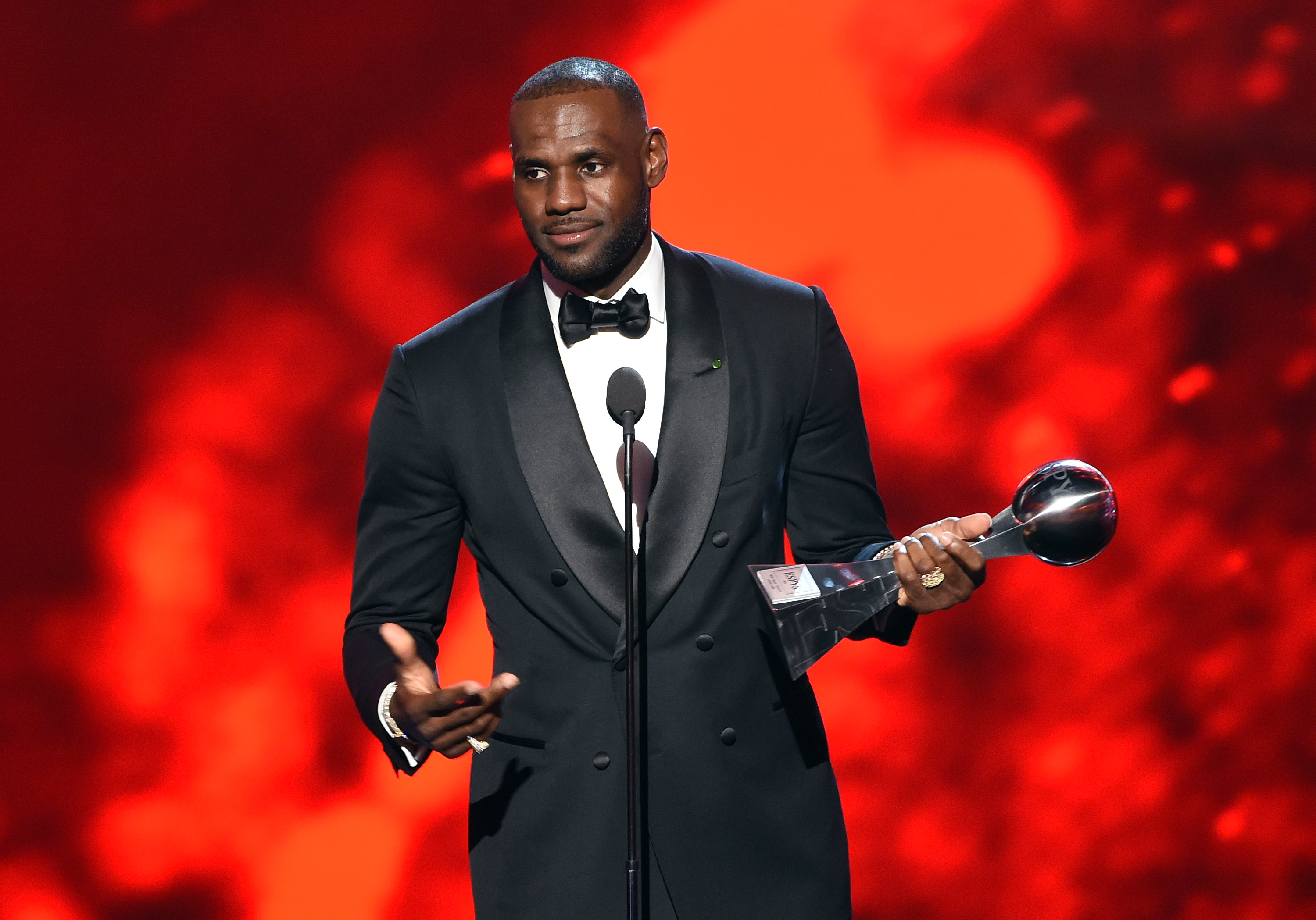 LeBron James accepts the 2016 Best Male Athlete award onstage at the ESPYS