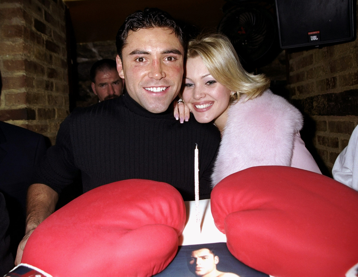 Oscar De La Hoya's Dark Side Included Cross-Dressing at Cocaine-Fueled Sex Parties