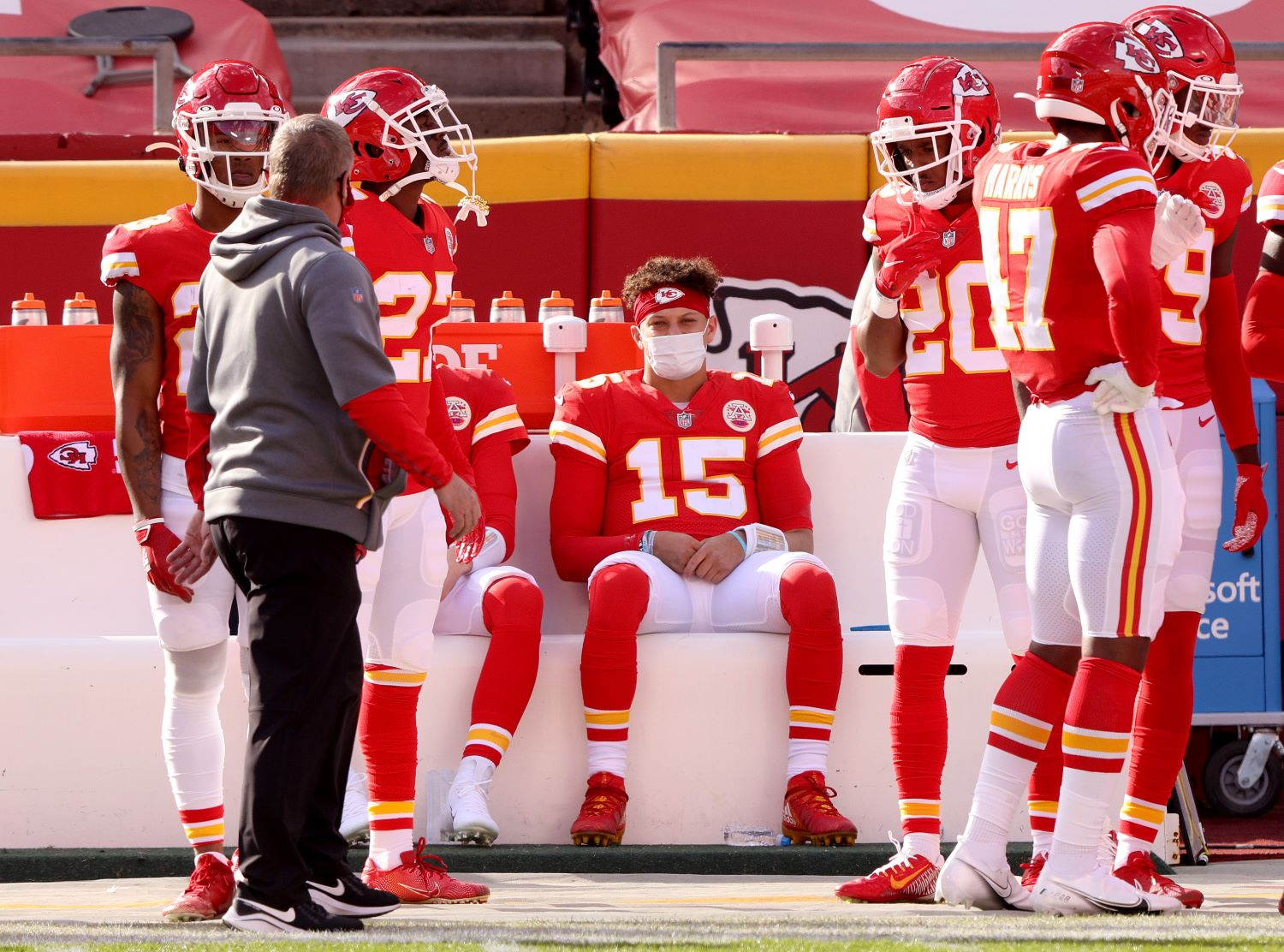 Patrick Mahomes is in a two-man race for NFL MVP, but the Kansas City Chiefs just ruined his chances at winning the award.