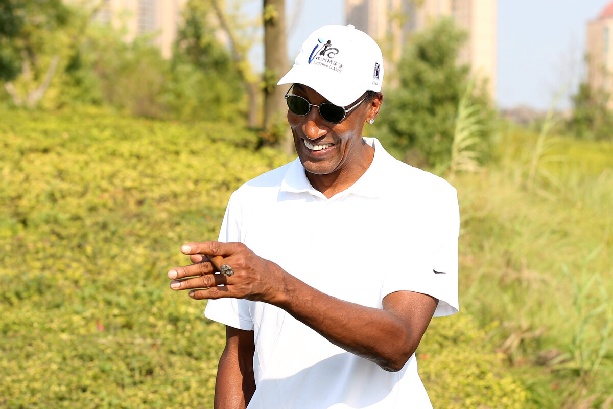 Chicago Bulls legend Scottie Pippen ran into financial trouble during the 2000s. Pippen's farm earned nearly $80,000 in government checks during that time.