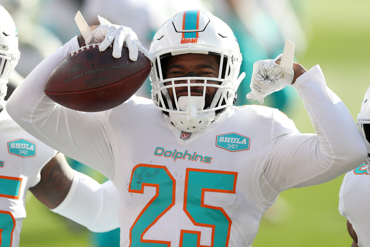 Miami Dolphins cornerback Xavien Howard is snagging interceptions at a historic pace. Howard is also justifying the massive contract he signed with Miami.