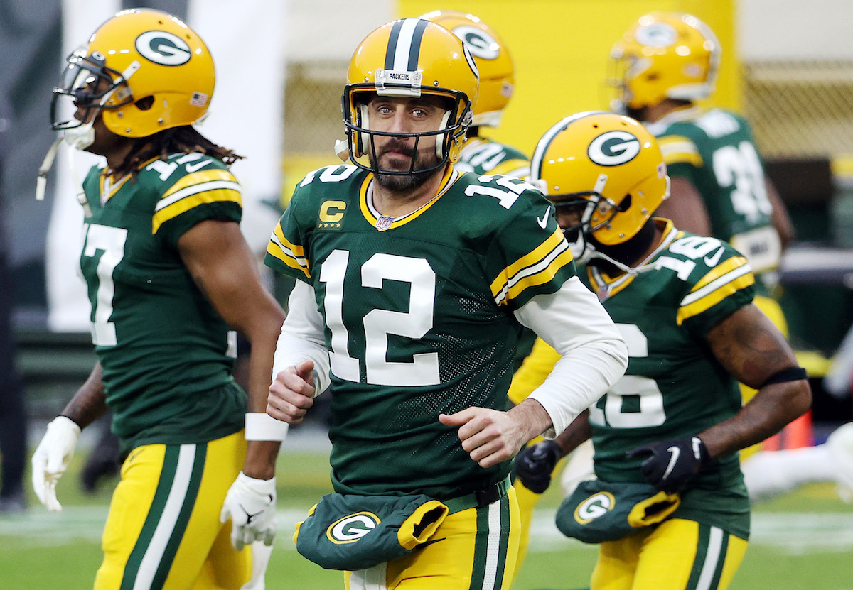 Aaron Rodgers wants to stay in Green Bay, and so do the Packers, so how can they show they are committed to Rodgers.