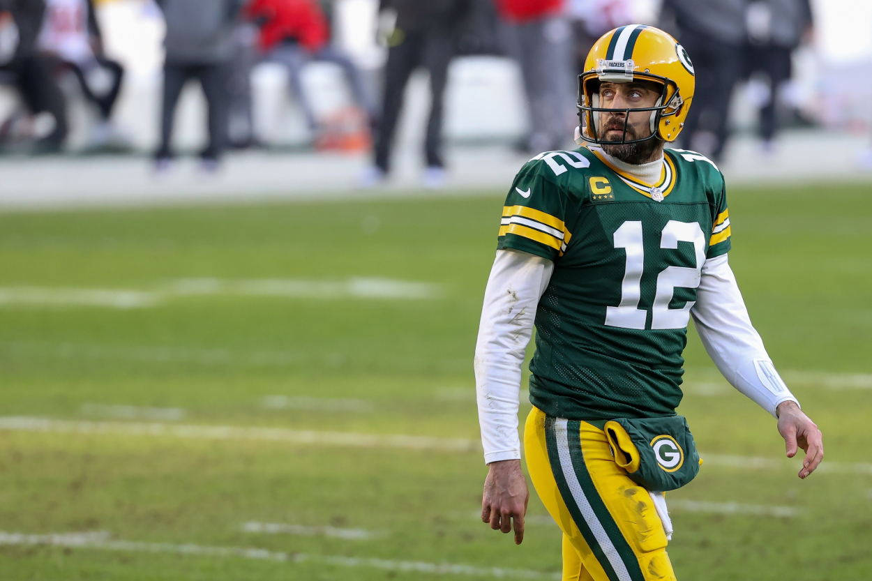 Aaron Rodgers could soon leave the Green Bay Packers. This led to an Indianapolis Colts legend recently trying to recruit him to Indy.