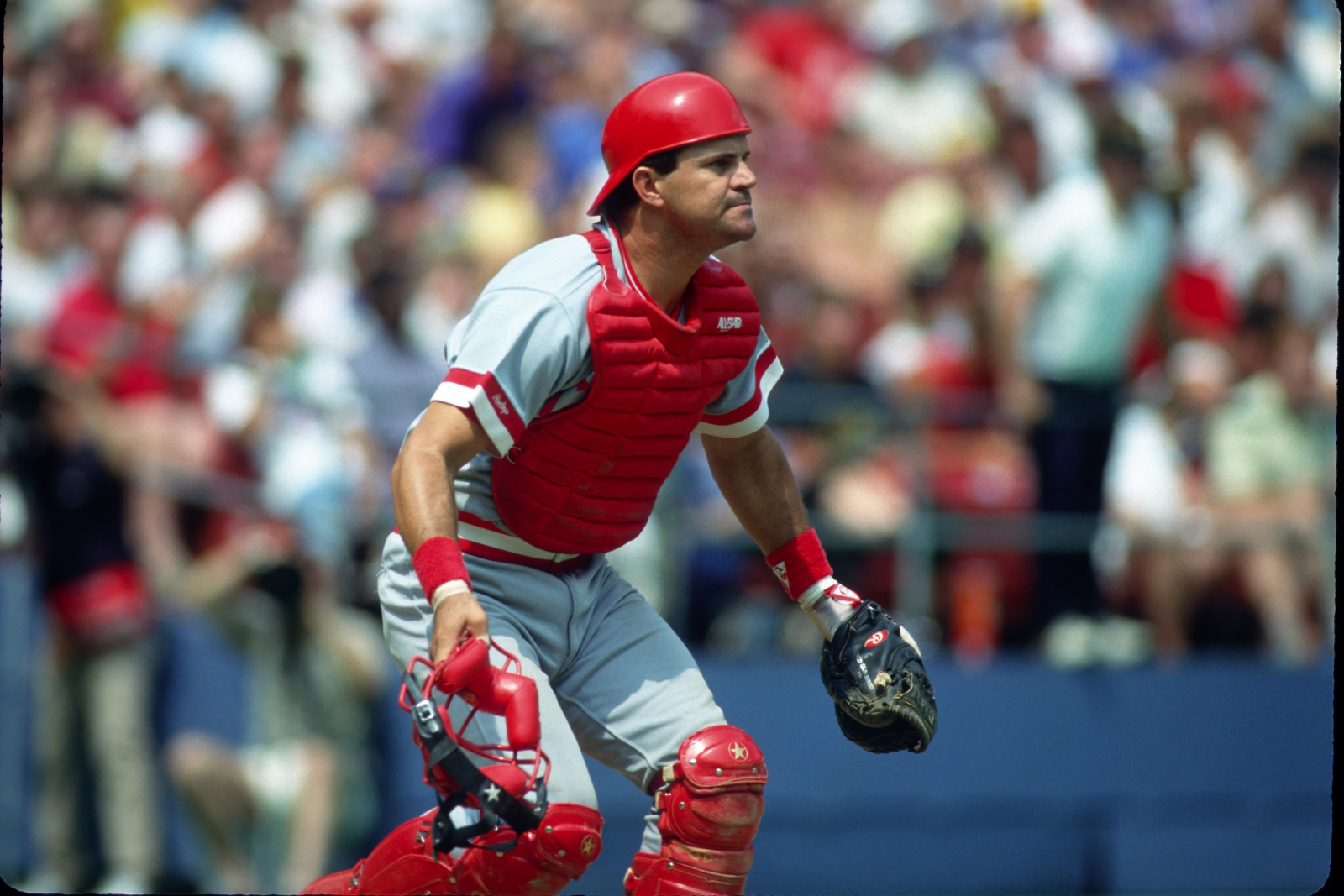 Former Cincinnati Reds All-Star Bo Diaz Was Tragically Crushed To Death by a Satellite Dish While Amid an MLB Comeback Attempt