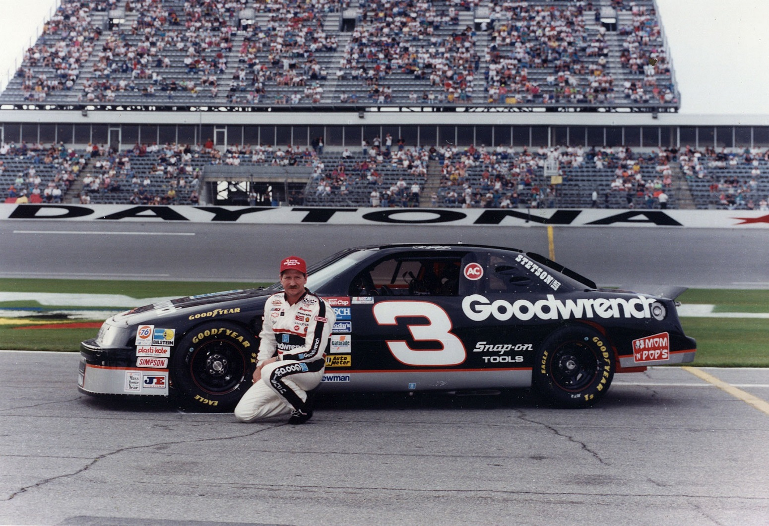 Dale Earnhardt Sr. mom NASCAR honor emotional request