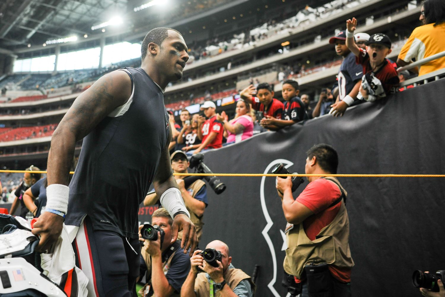Disgruntled franchise QB Deshaun Watson sent an ominous tweet on Friday that should send chills down the spines of Houston Texans fans.