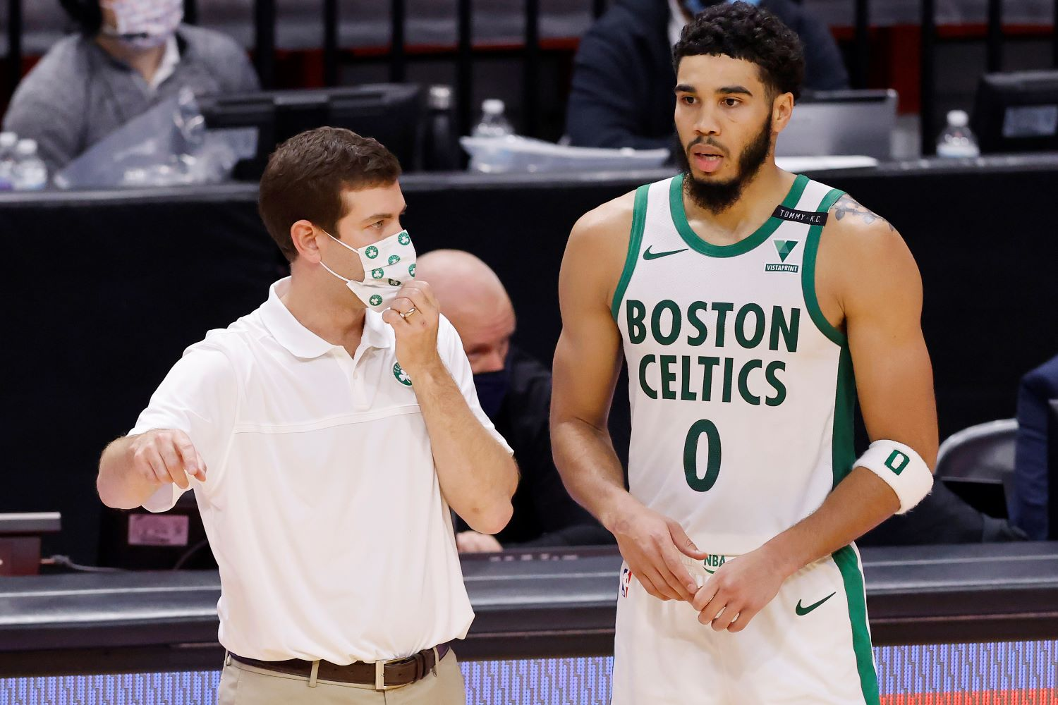 Jayson Tatum will not be playing for the Boston Celtics anytime soon due to the NBA's COVID-19 protocols.