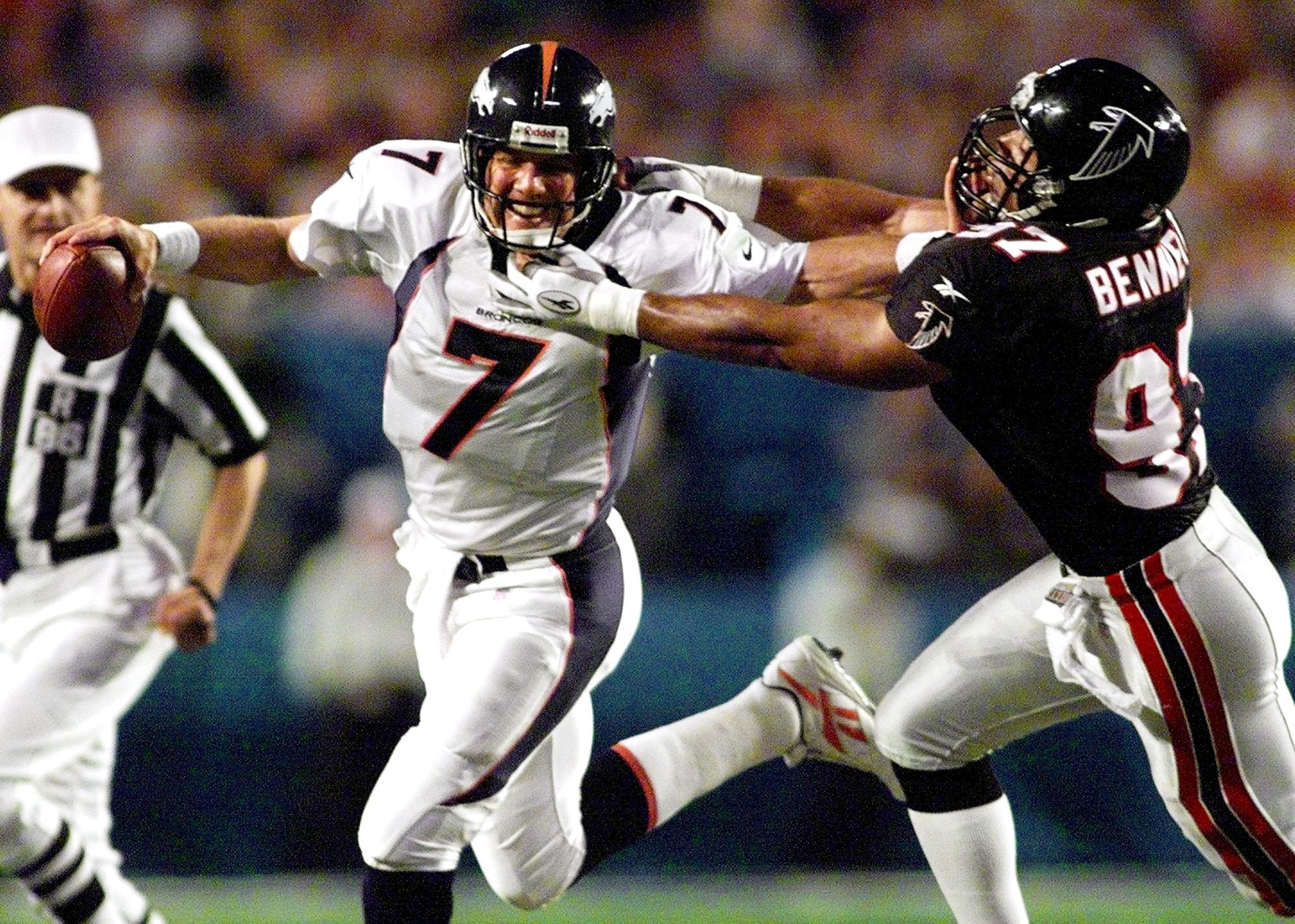 Broncos QB John Elway