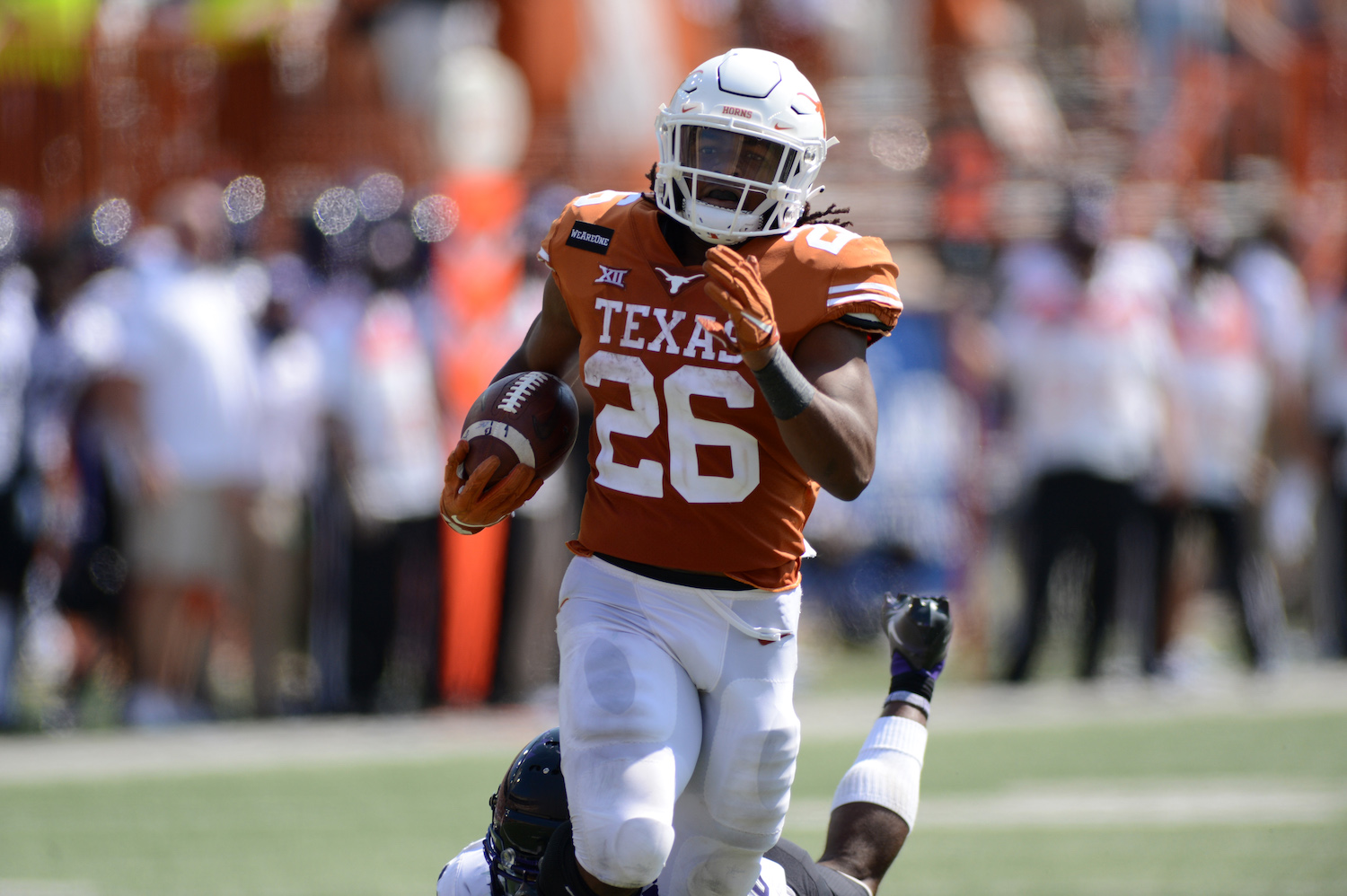 Steve Sarkisian and Texas Longhorns Get Bad News With 2019 Leading Rusher Entering Transfer Portal