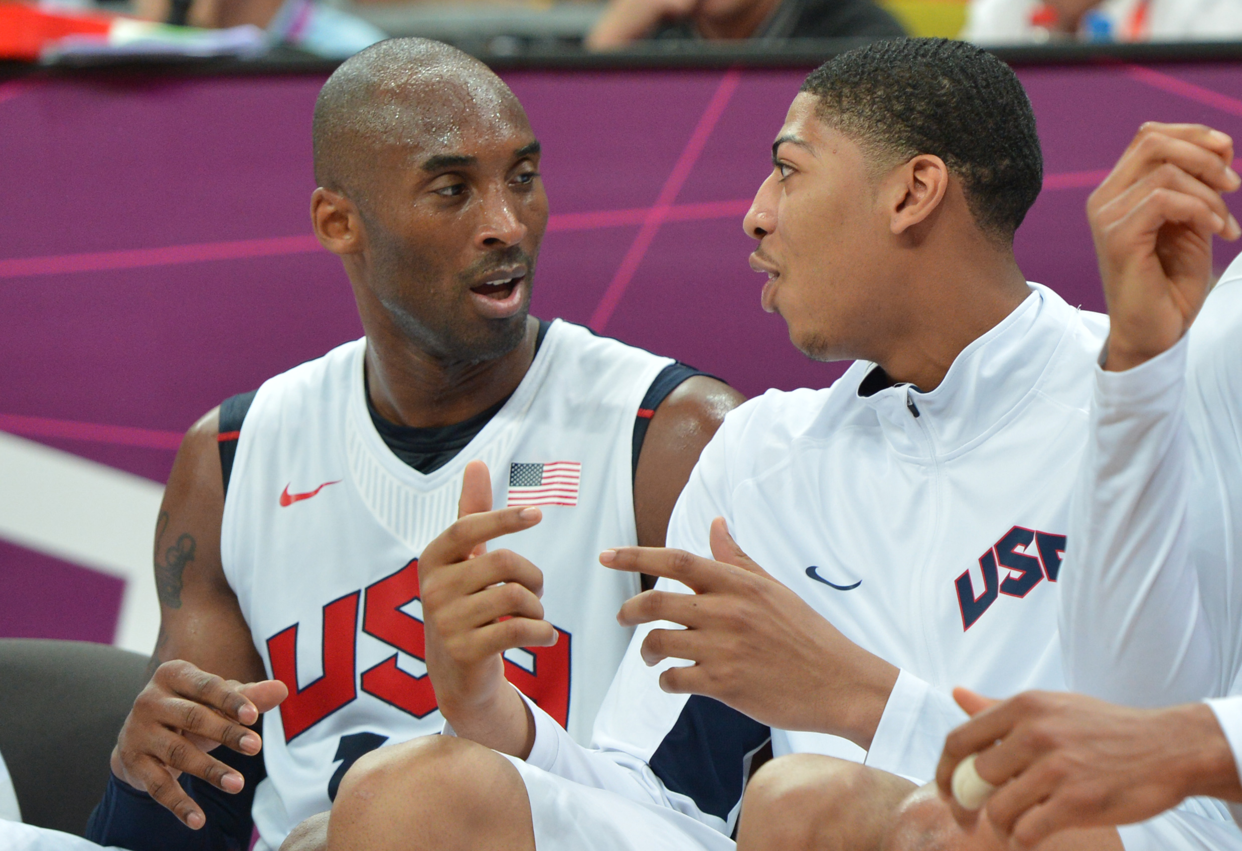 Kobe Bryant and Anthony Davis talk during a Team USA practice