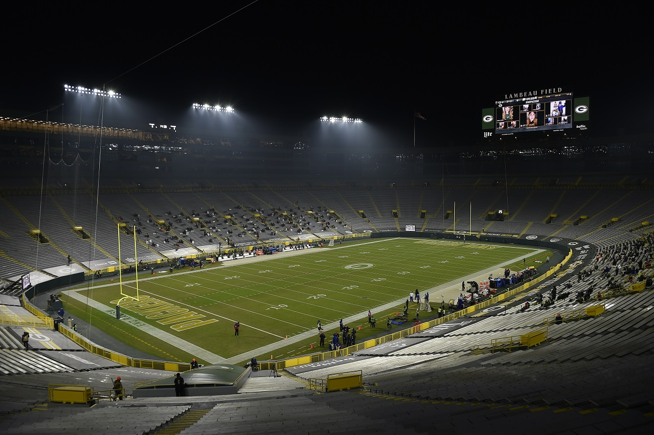 A Home Playoff Win for the Packers Is No Guarantee