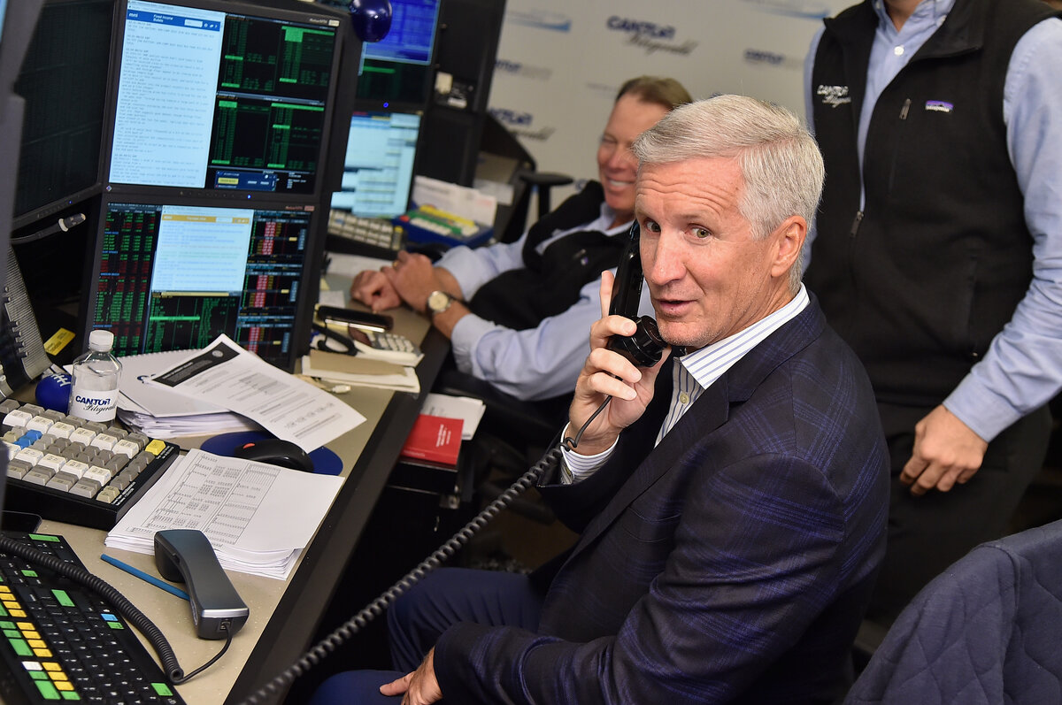 "Veteran NBA announcer Mike Breen is known for his signature ""Bang!"" call. Breen stuck with the call despite a local reporter's frustration."