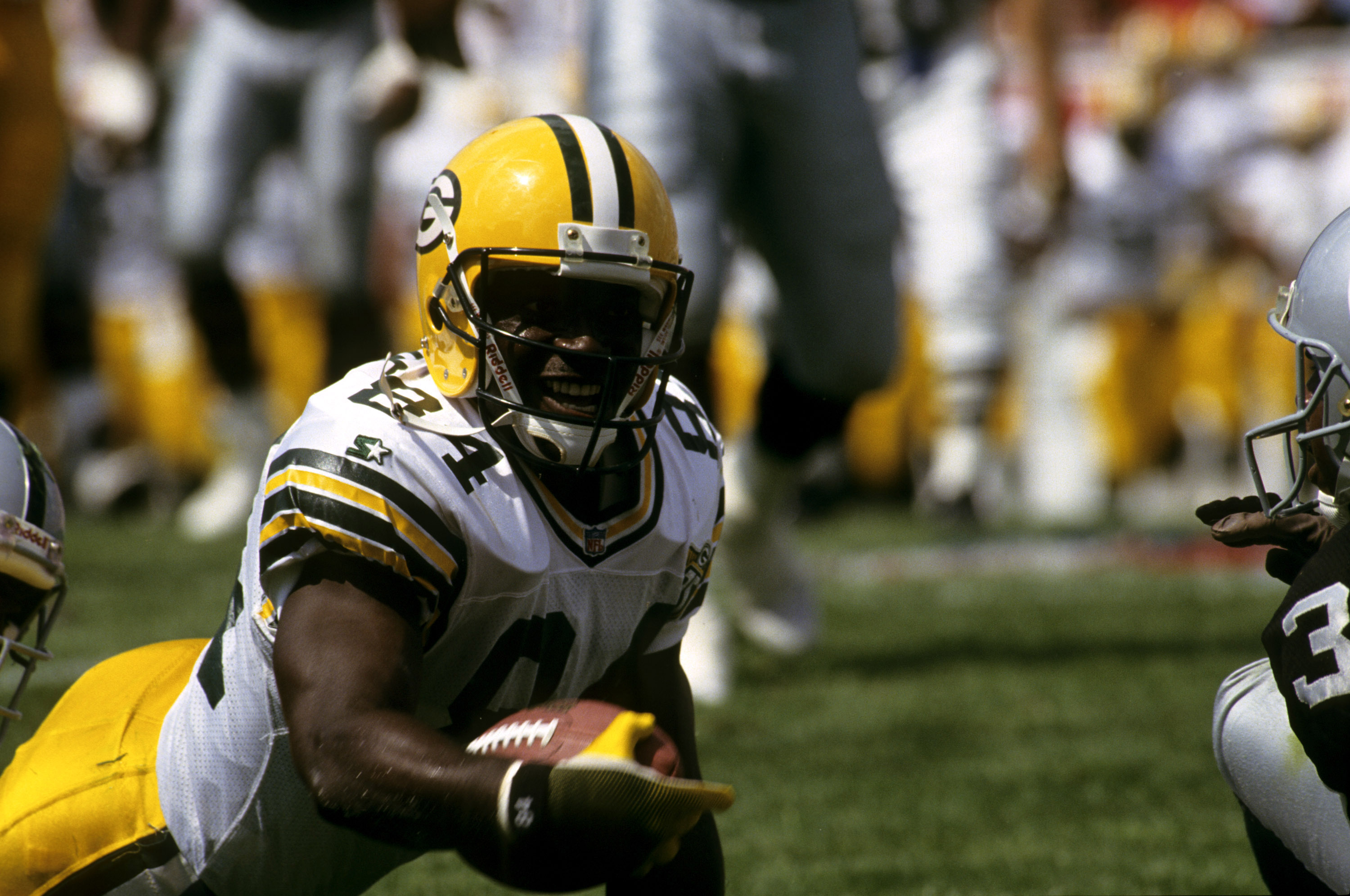 Sterling Sharpe is one of the greatest skill players in Green Bay Packers history. However, Sharpe gave up on following the NFL after he retired.
