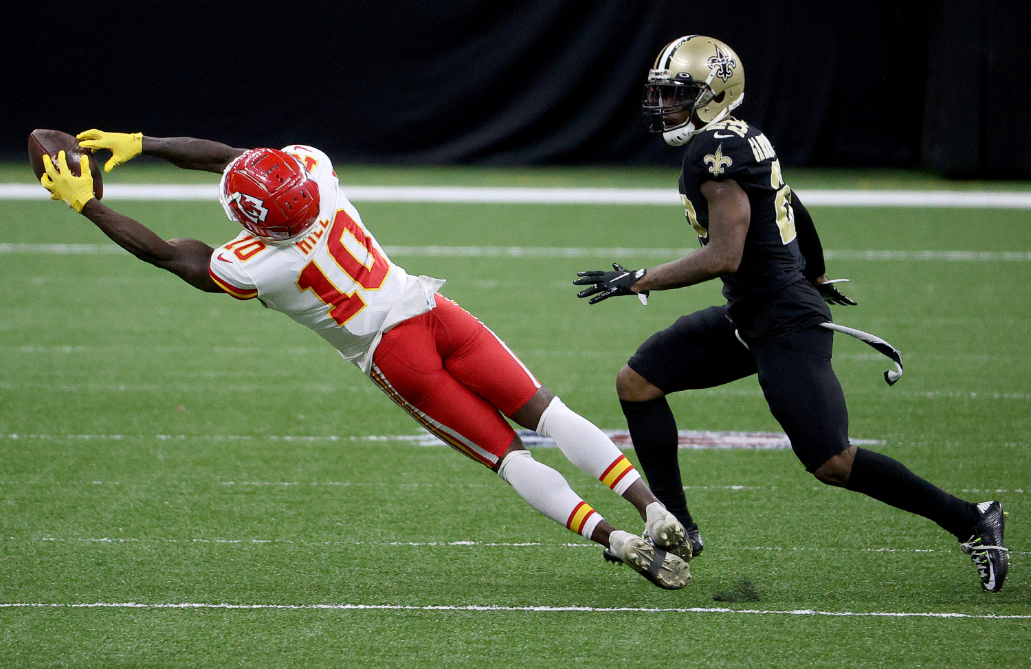 Why did Tyreek Hill shove his coach?