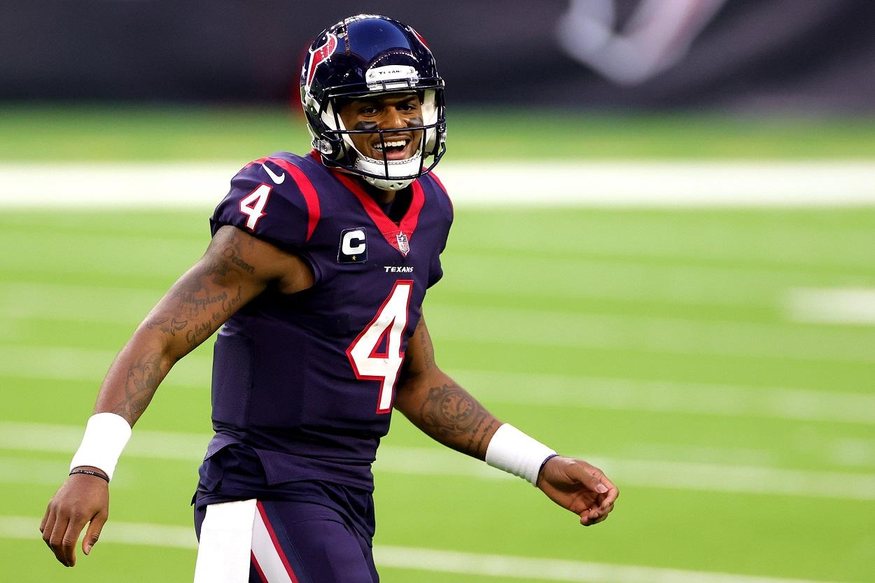 Derek Carr May Force Deshaun Watson to Consider Another NFL Team as a Landing Spot