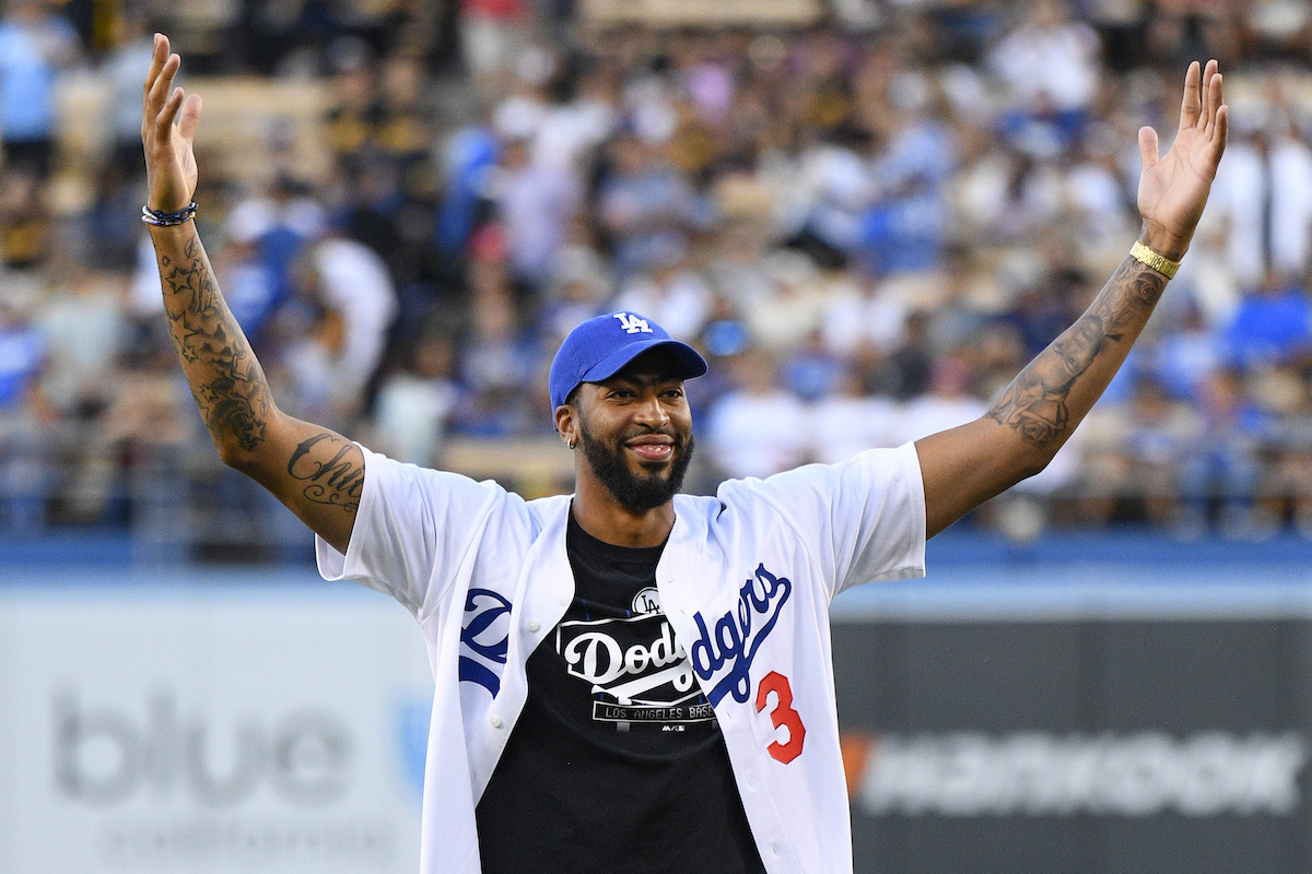 Sports fans in Los Angeles could be doing even more celebrating if the betting odds for the Los Angeles Lakers and Los Angeles Dodgers come to fruition