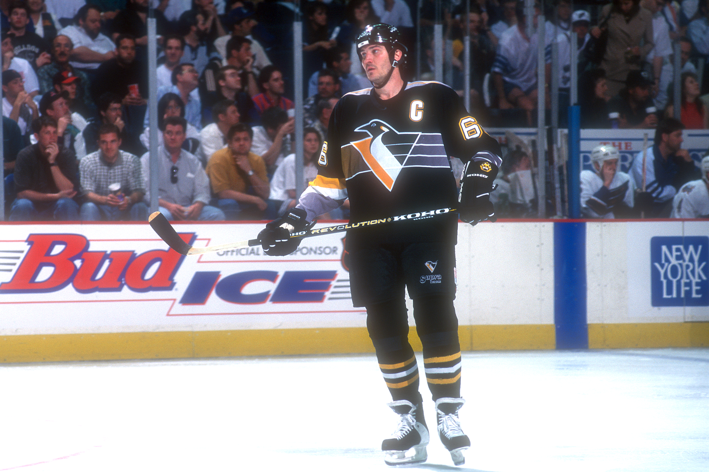 The Pittsburgh Penguins' Mario Lemieux waits for action to begin