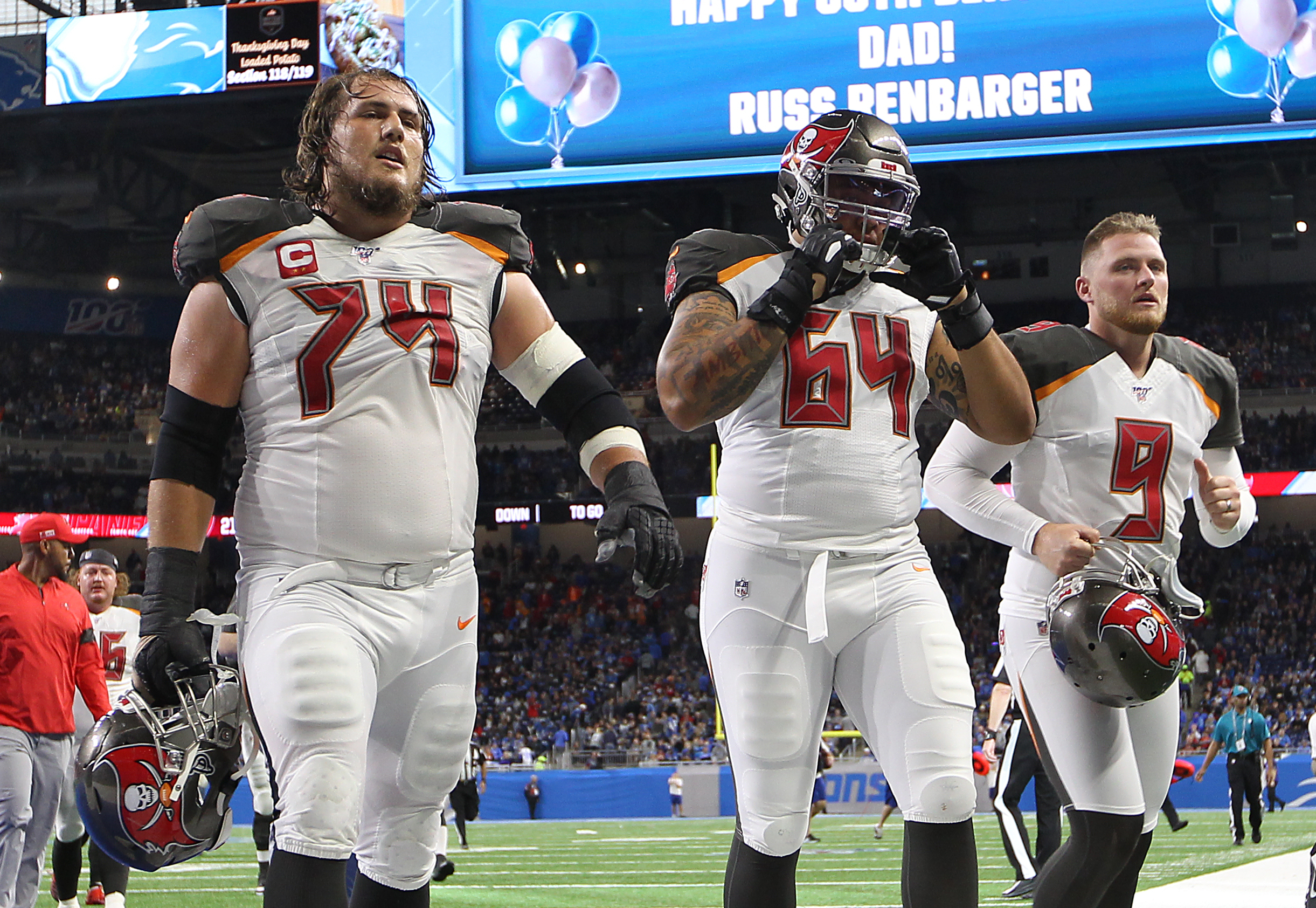 Buccaneers offensive guard Ali Marpet (L), offensive guard Aaron Stinnie (C), and kicker Matt Gay