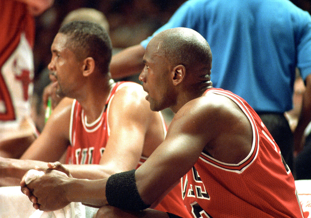 Chicago Bulls teammates Bill Cartwright and Michael Jordan in 1993.