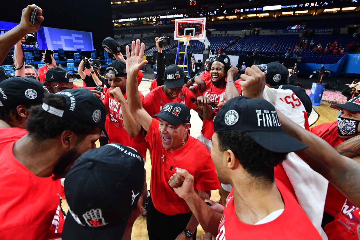 The Houston Cougars men's basketball team in March 2021.