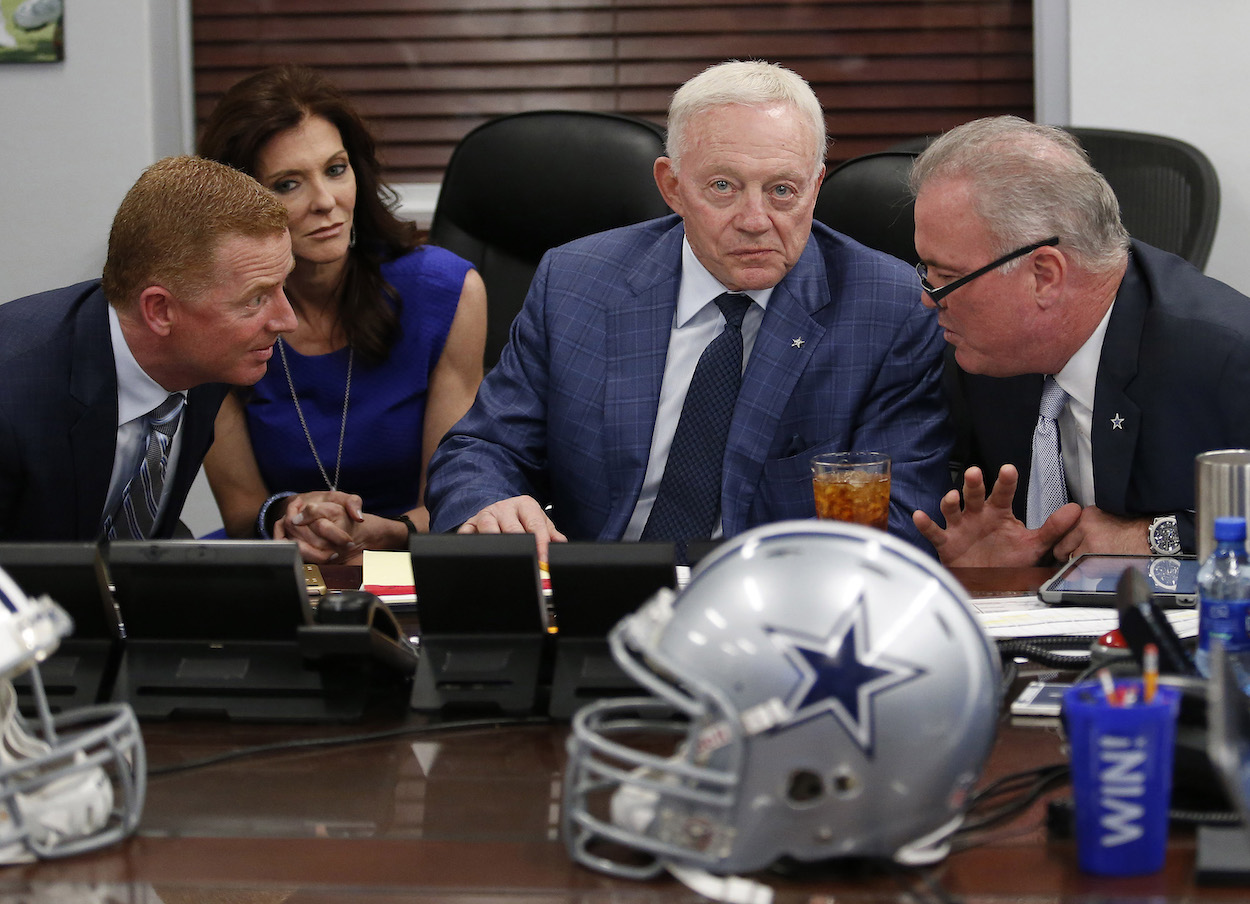 Jason Garrett, Jerry Jones, and Stephen Jones during the 2016 NFL draft