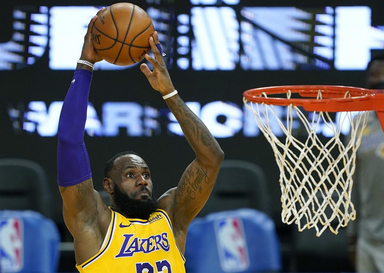 Having Mastered the NBA, LeBron James Will Try His Hand at Baseball