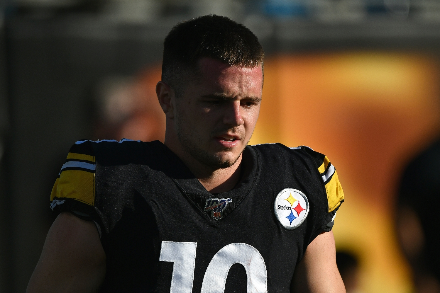 Current Cleveland Browns WR Ryan Switzer stands without his helmet back when he played for the Pittsburgh Steelers.