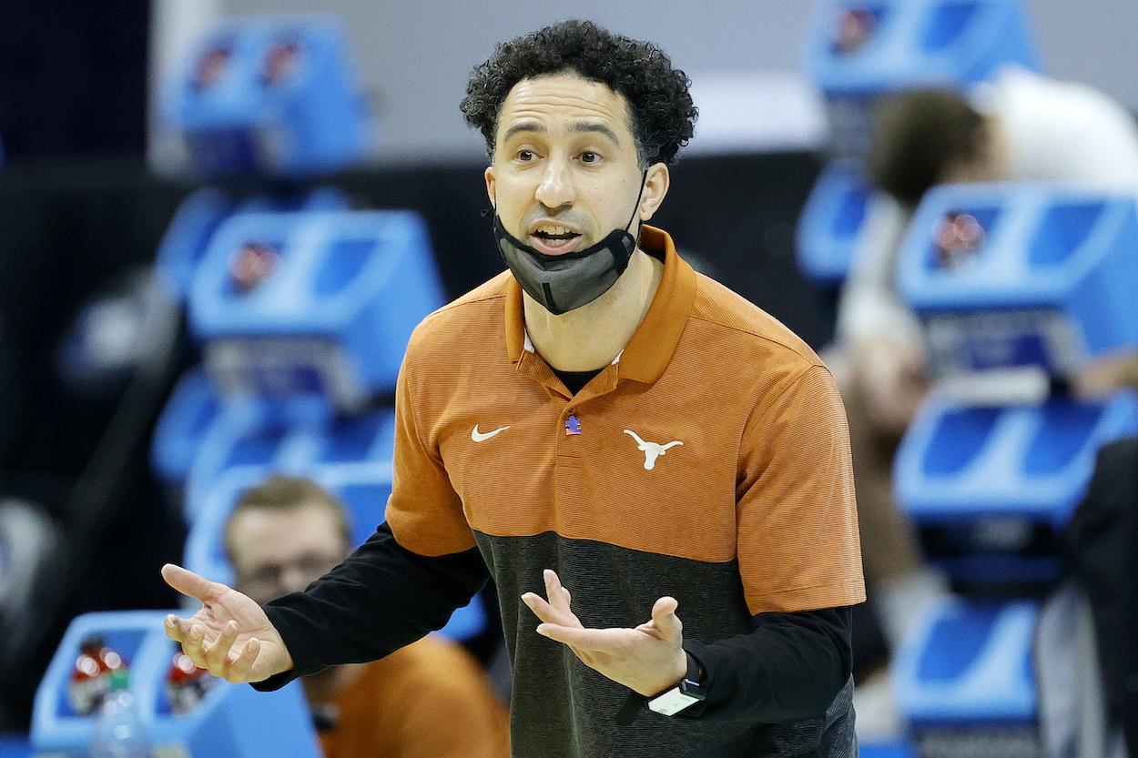 Texas Longhorns head coach Shaka Smart