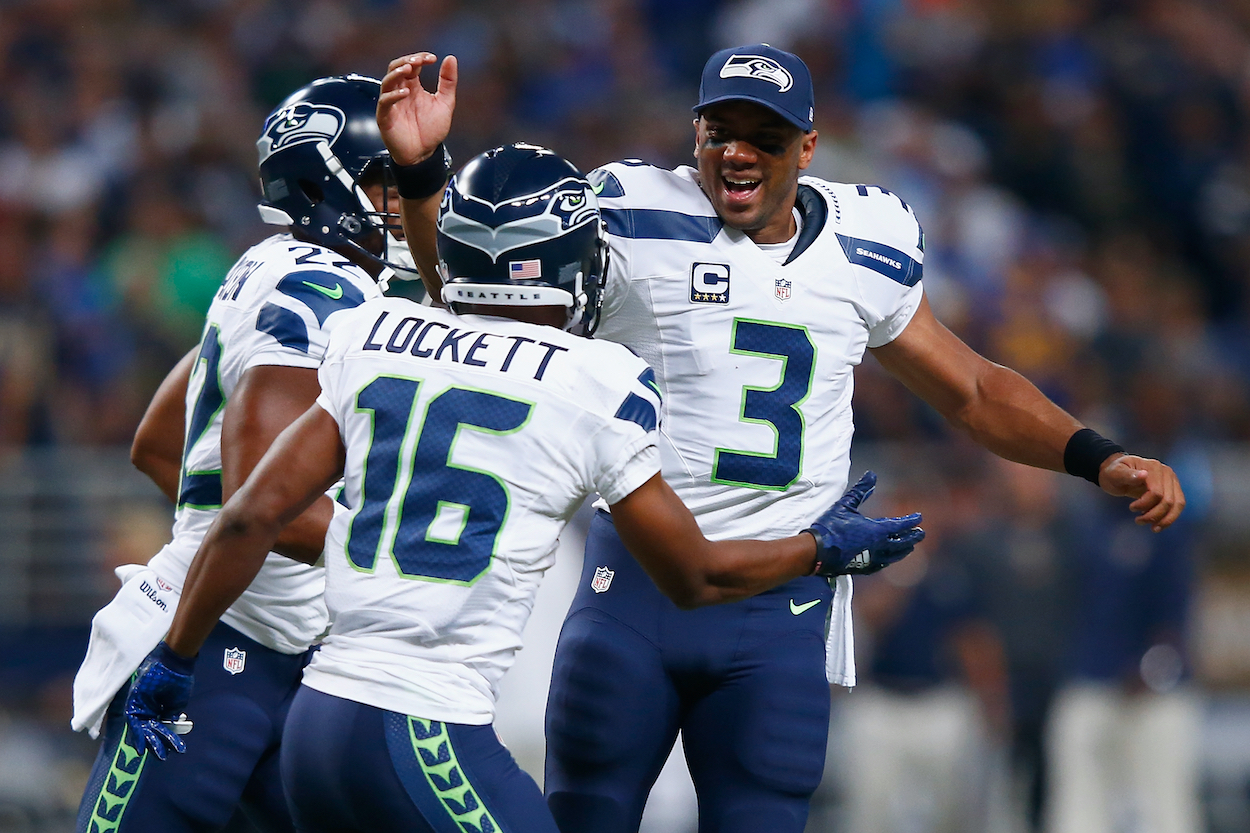 The Seahawks sign star wide receiver Tyler Lockett to a four-year, $69.2 million contract extension with $37 million guaranteed.