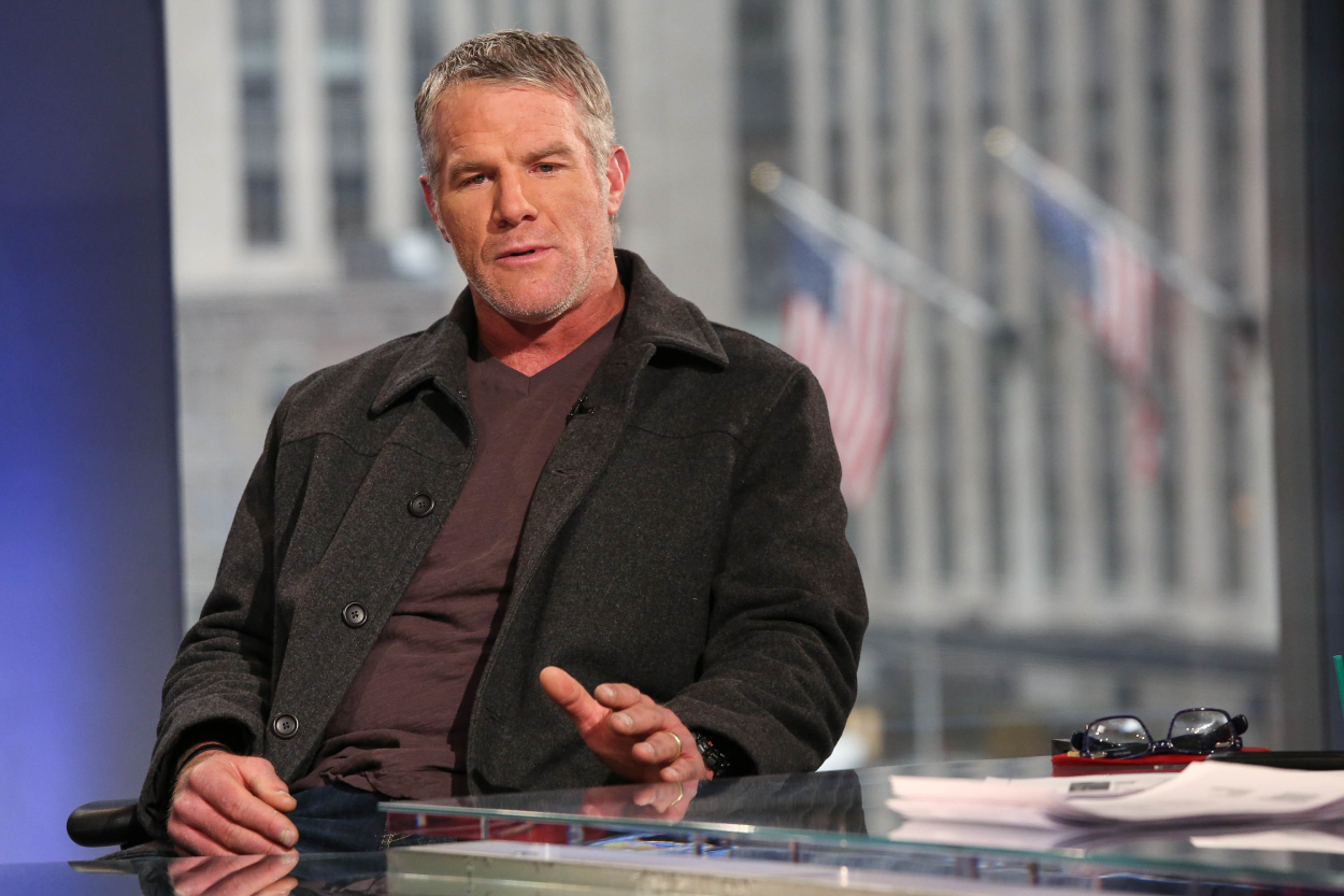 Brett Favre Was Just Blasted by His Fellow Pro Football Hall of Famer Who Said He's 'Stuck in His Own Little World'