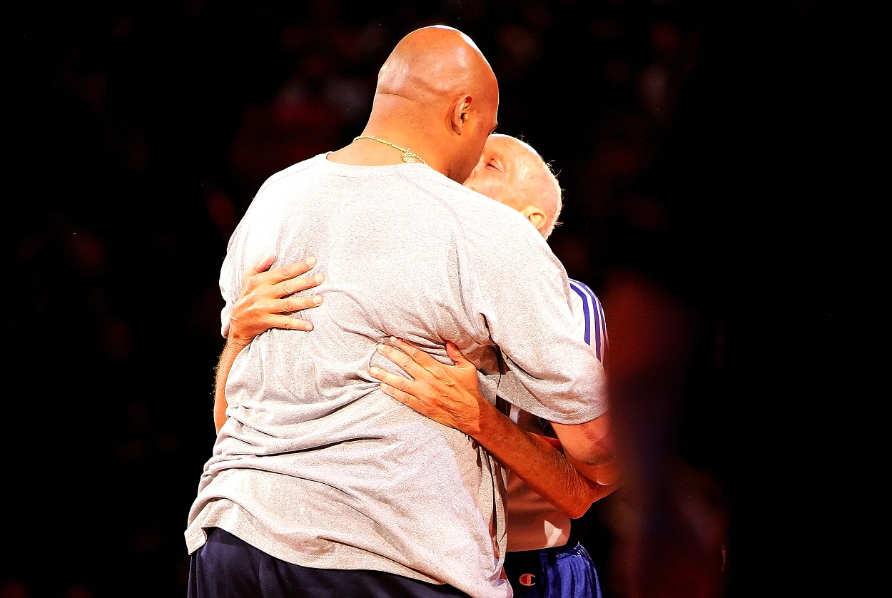 The Night Charles Barkley Kissed an NBA Referee On the Mouth After Winning $5,000