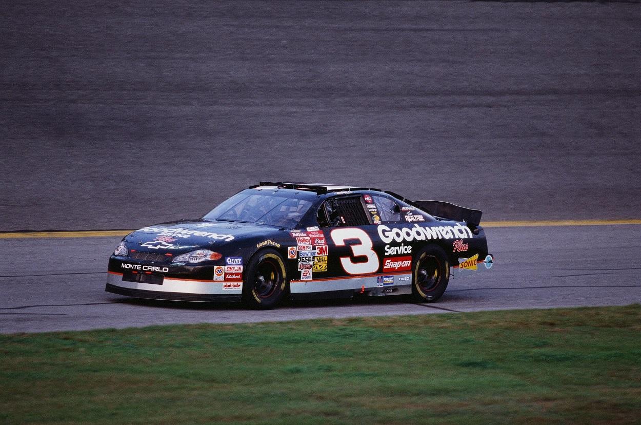 Dale Earnhardt Sr. practicing before the 2001 Daytona 500