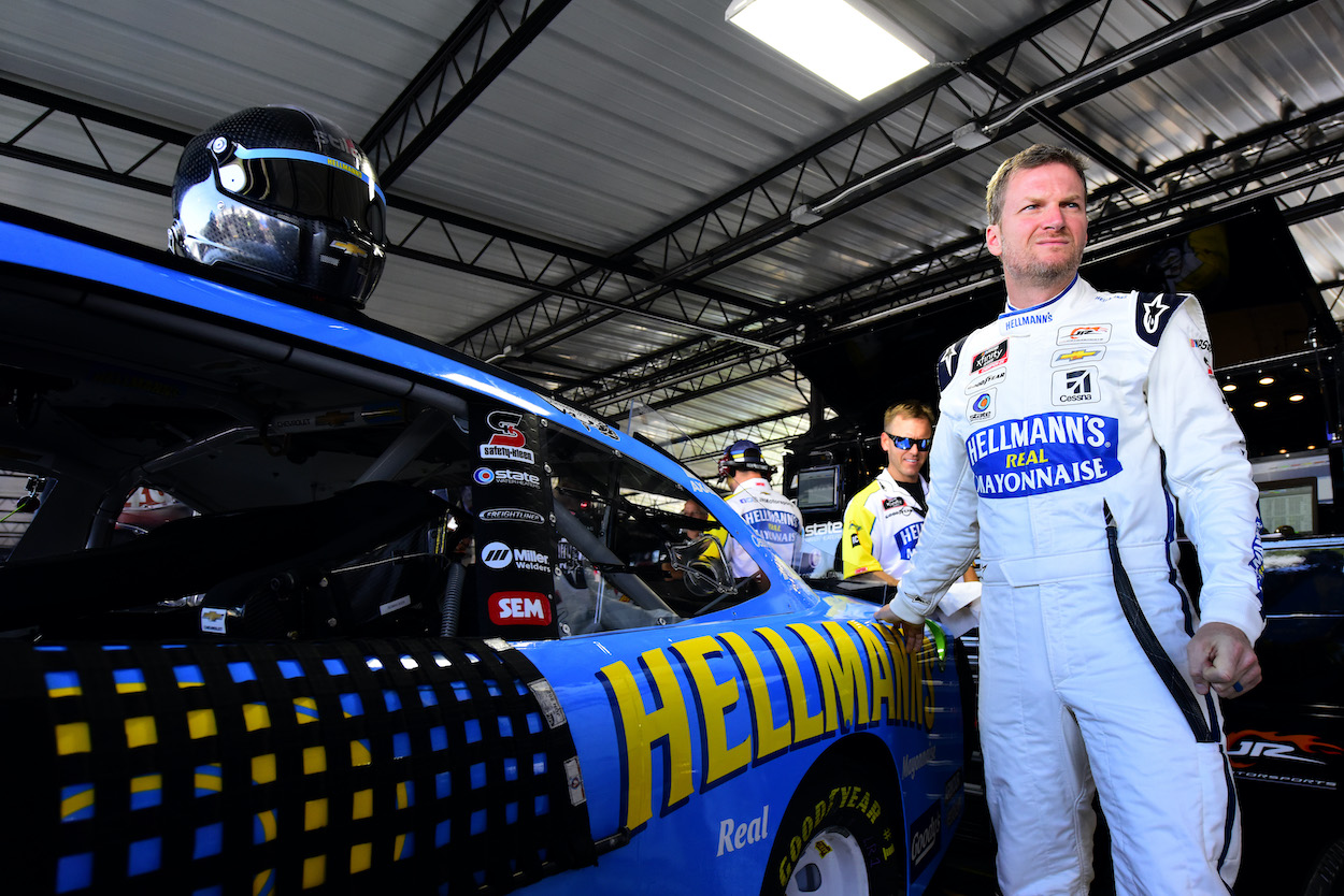 Dale Earnhardt Jr. swears his favorite snack, a mayo and banana sandwich, is delicious, but world-famous chef Gordon Ramsay begs to differ.