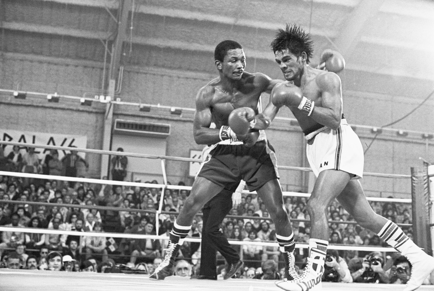 Decorated boxer Esteban de Jesus fights against Roberto Duran at Caesar's Palace Sports Pavilion on Jan. 21, 1978.