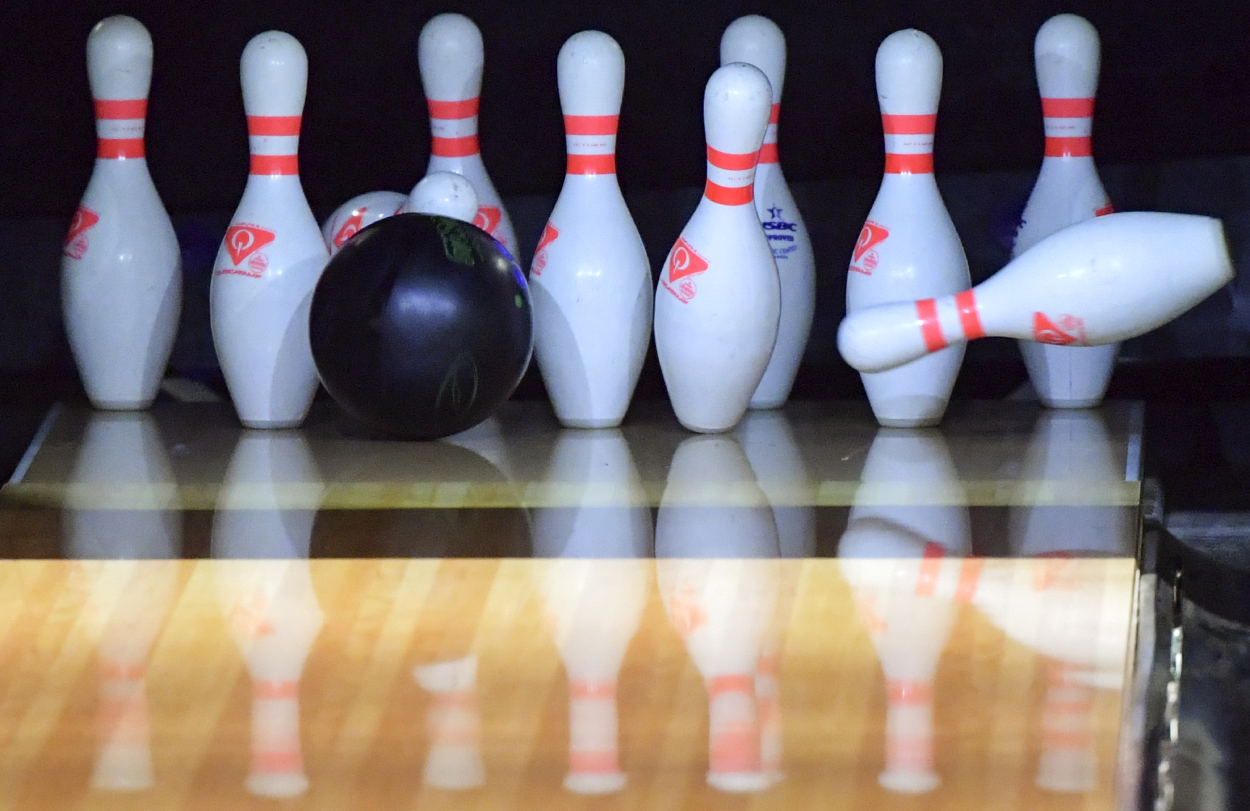 John Hinkle, NCAA Bowling Champ, Stunningly Rolls Perfect Game With Dad's Ashes Inside the Ball