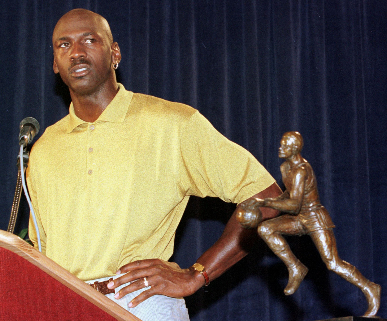 Michael Jordan Was Disrespectfully Passed Over in Favor of an Alleged Cheater by a Famous TV Personality