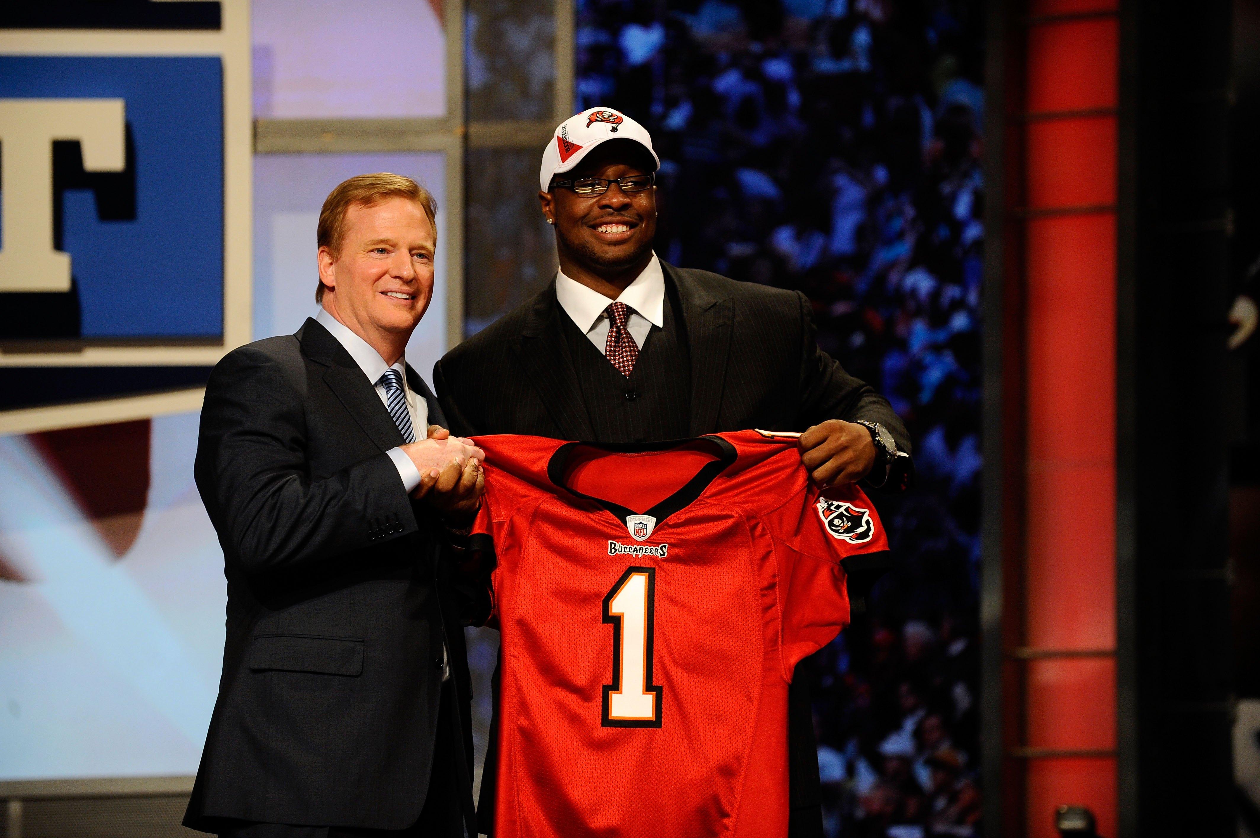 Roger Goodell Is Bringing Back an NFL Draft Tradition