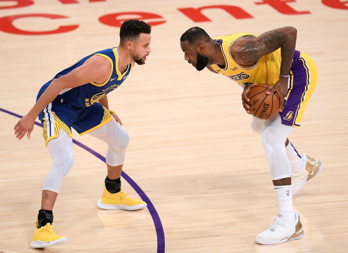 LeBron James Invited Stephen Curry to His House to Bowl, Beat Him Easily, Then Dropped 31 Points on the Warriors the Next Day in a Win