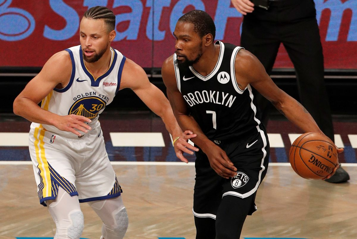 Kevin Durant Got Caught Destroying Stephen Curry by Liking a Tweet That Dissed Him