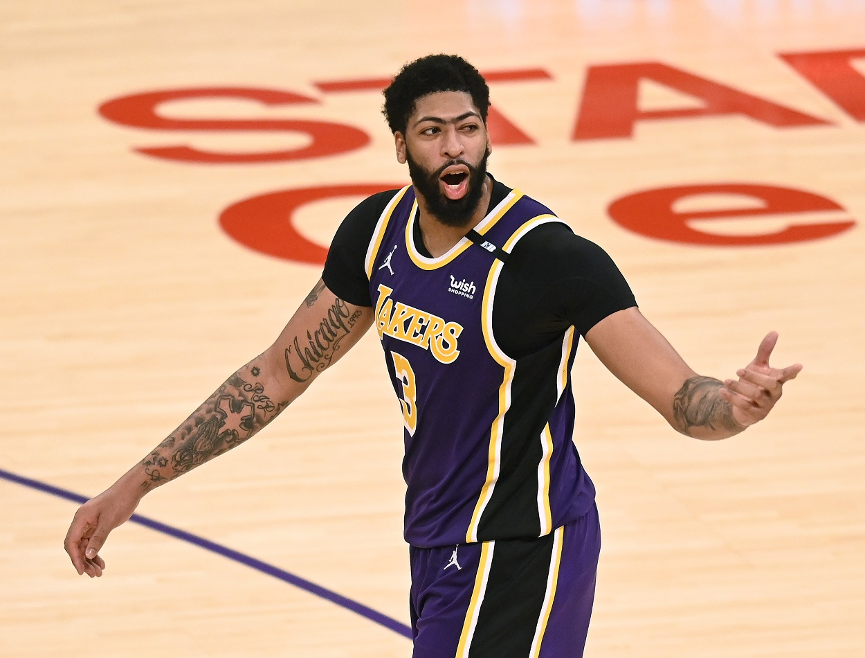 Anthony Davis Comically Responds to Steve Kerr's In-Game Comments Directed at the Lakers