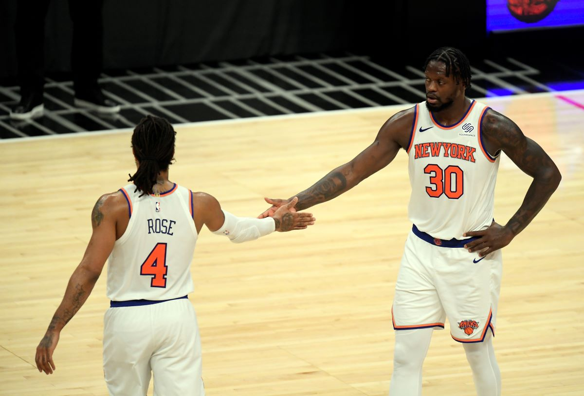 Derrick Rose Is Being Let Down by Julius Randle in the Knicks-Hawks Playoffs Series in Historically Atrocious Fashion