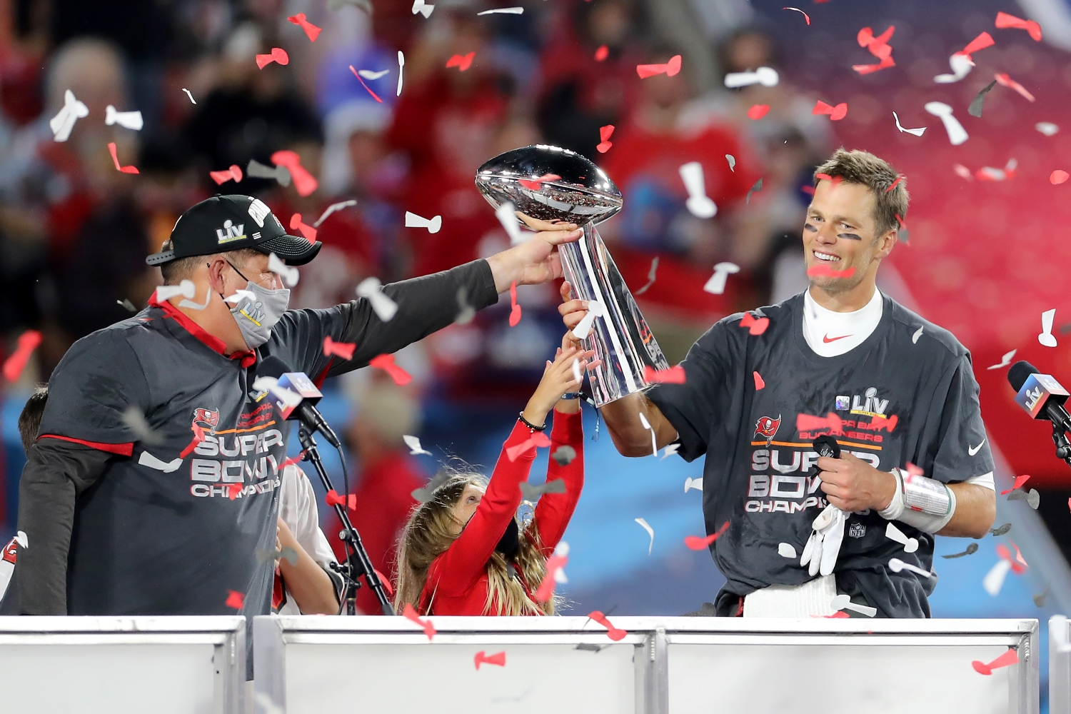 The Buccaneers Just Showed the Patriots How a Real Plan to Replace Tom Brady Actually Works