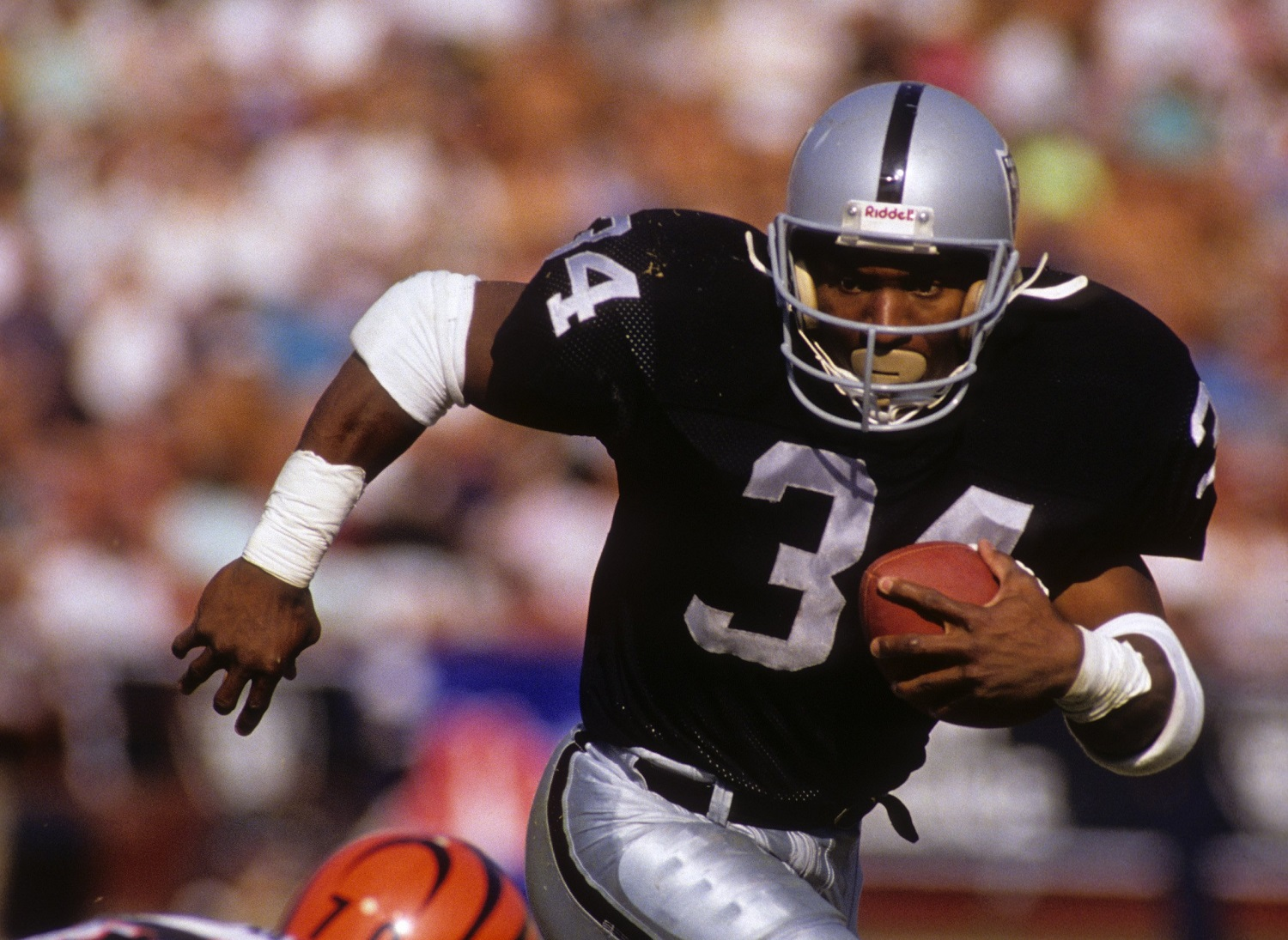 Bo Jackson's Most Shocking Sports Feat Didn't Come in Baseball or Football