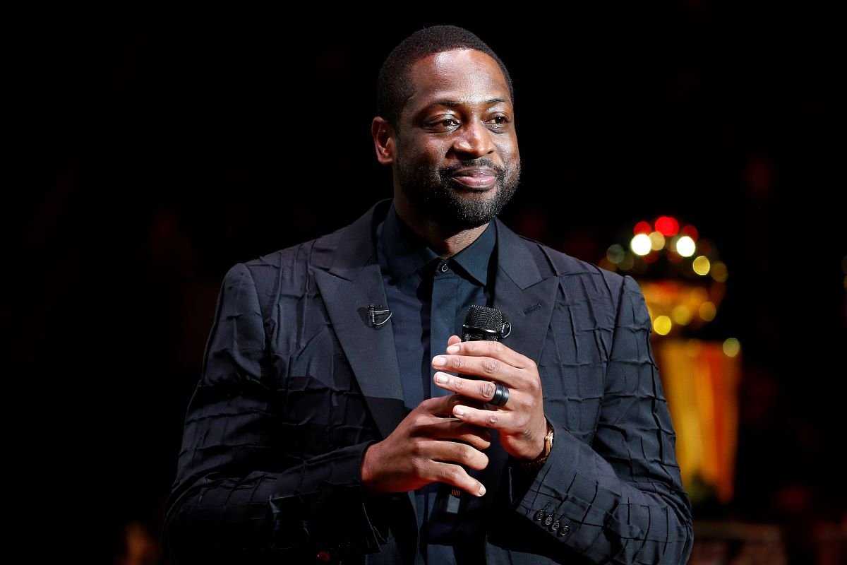 Dwyane Wade Was Confronted and Challenged by a Comedian Who Threw His $20,000 Jacket on the Ground to a 1-on-1 Game