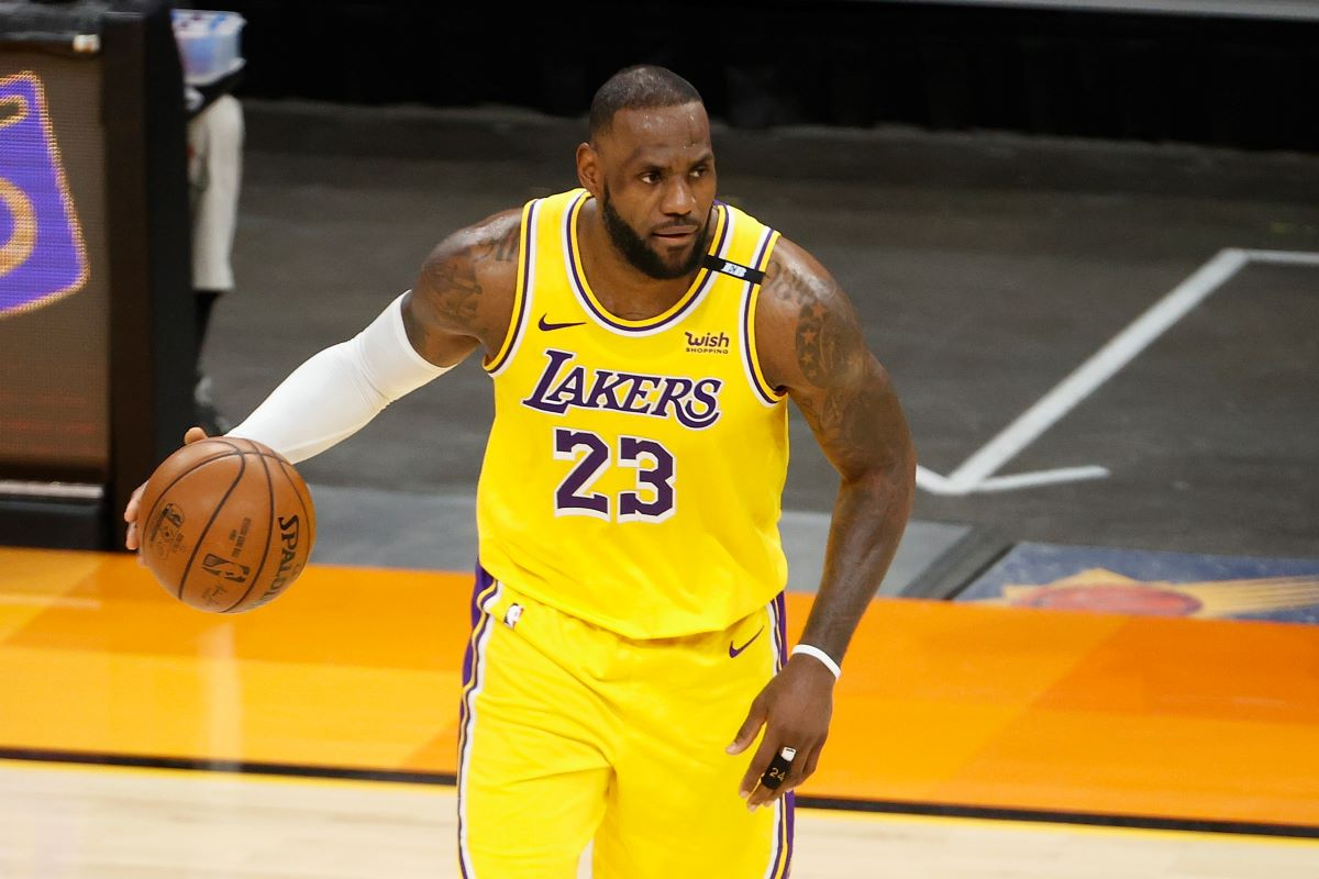 LeBron James Gets Love and Support From Young NBA Star After Losing in 1st Round for 1st Time: 'I've Never Seen so Many People Be so Happy to See an Athlete Fail'