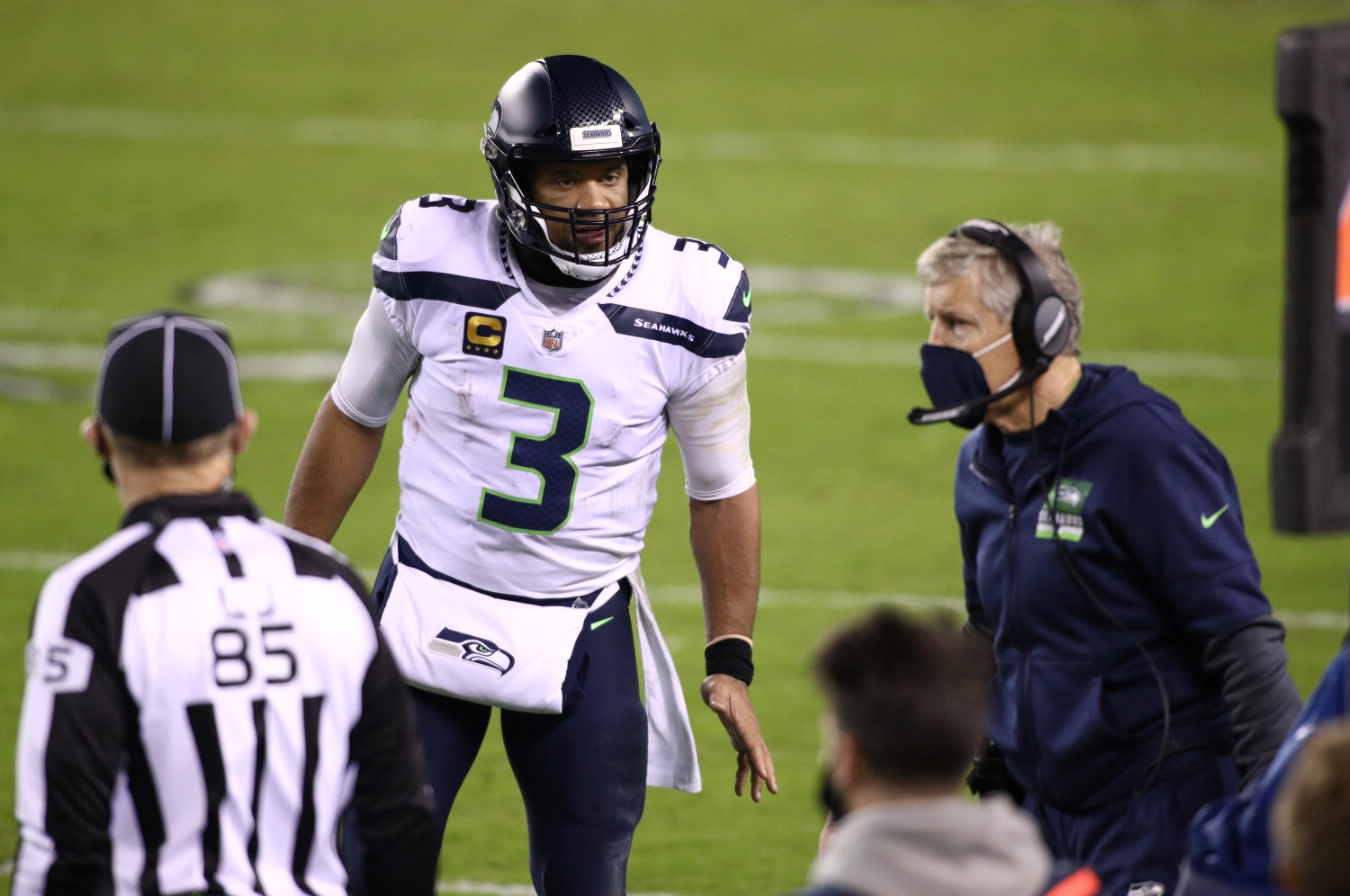 The Seahawks Must Ignore Russell Wilson's Wishes About Playing With Julio Jones if They Know What's Best for Them