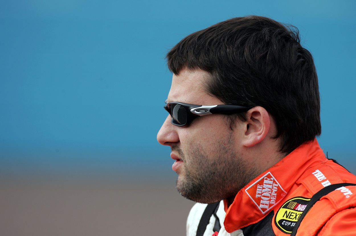 Tony Stewart during practice for the 2004 NASCAR Cup Series Checker Auto Parts 500